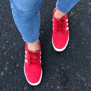 dda84f5509e7c Adidas Seeley red/white sneakers